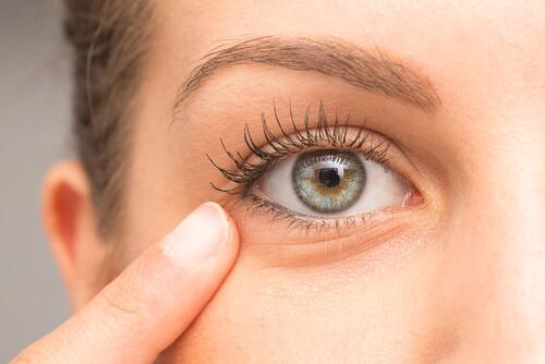 Huskurer som minskar mörka ringar runt ögonen