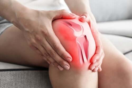 Artros orsakar knäsmärta