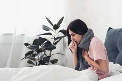 Kvinna med influensa
