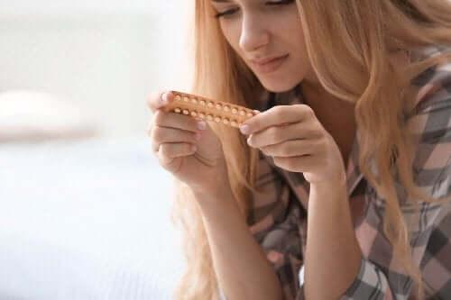 Kvinna med preventivmedel