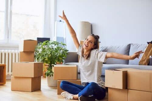 strategier för att flyttstäda: märk lådorna