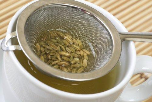 kurer för kolik hos bebisar: Te på fänkål