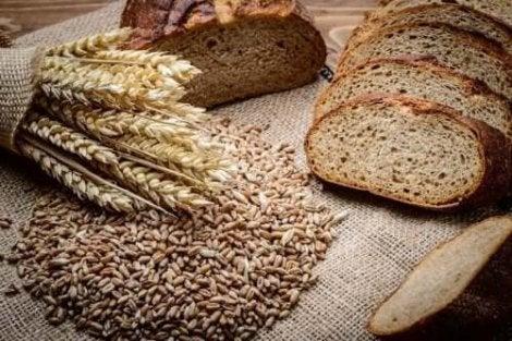 Bröd på råg och dinkel