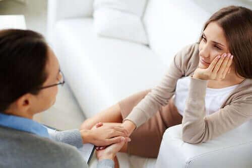 Kvinna hos psykolog