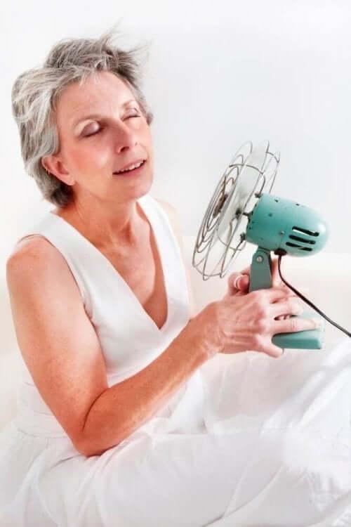 Kvinna i klimakteriet