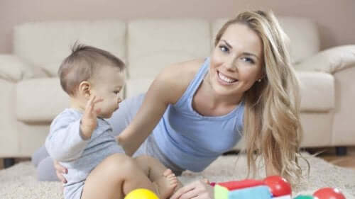 Kvinna med bebis