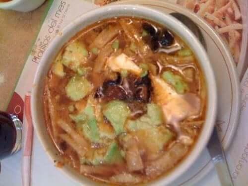 Recept på spännande tlalpeno-soppa