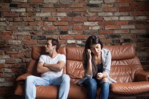 6 saker en partner aldrig ska be dig att göra