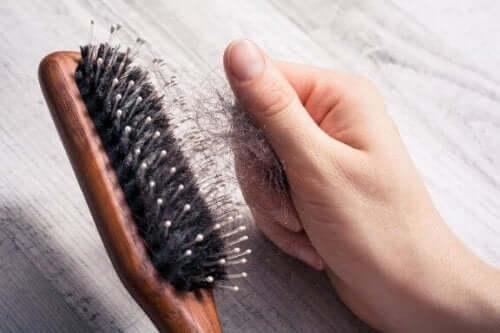 Sju tips för att sakta ned håravfall