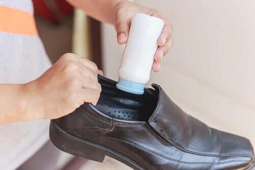 Talk inuti skorna