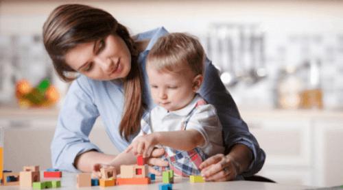 Att välja en barnflicka: 6 tips för att hitta den rätta