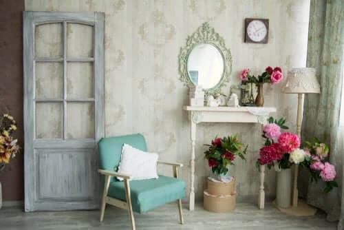 Idéer för att återställa och återanvända gamla möbler