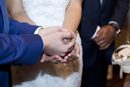 Ceremoni under bröllop