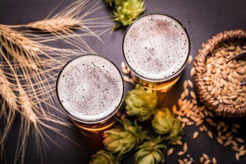 Glas med öl