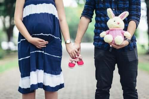 Gravid kvinna med partner