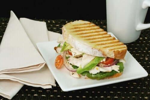 Grillad grönsakssmörgås