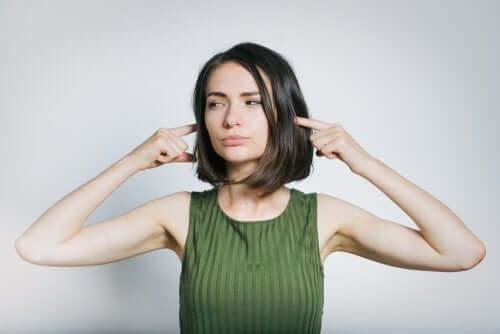 Konsekvenser av höga ljud: tinnitus