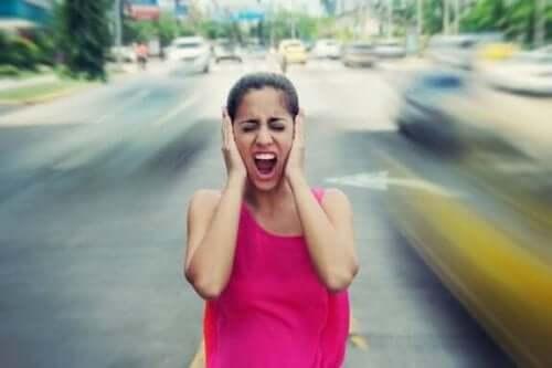 Fem konsekvenser av höga ljud för din hälsa