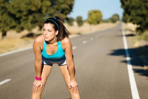 Kvinna ute på löptur