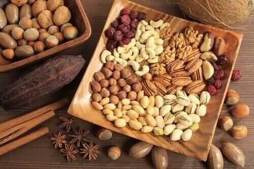 Nötter innehåller fett