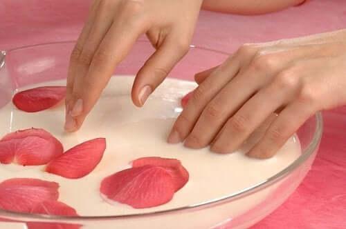 Tips för att ta hand om händer och fötter