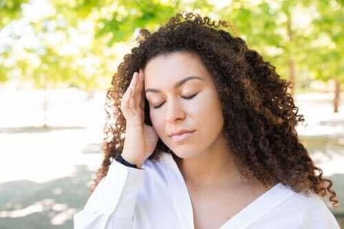Hur man lindrar huvudvärk på sommaren
