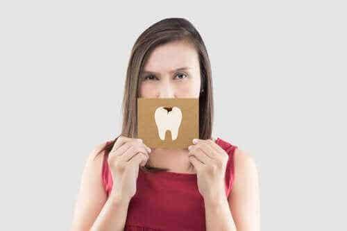Lindra tandvärk med dessa fem snabbkurer