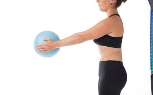 Kvinna med boll