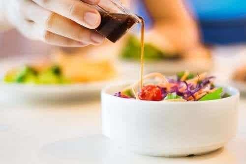 Fem recept på kalorisnål salladsdressing