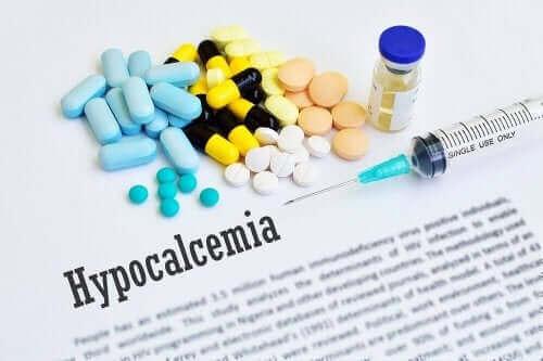 Symptom på hypoalcemi och dess behandling