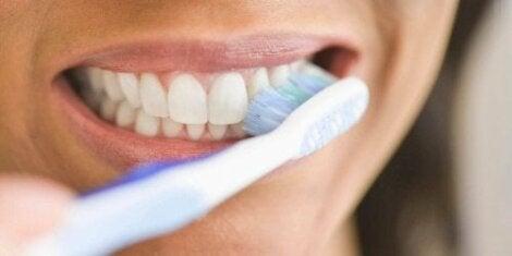 blödande tandkött vid tandborstning