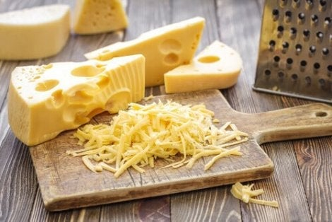 Hårda ostar kan även rivas