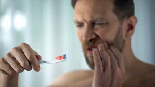 Vanliga orsaker till blödande tandkött