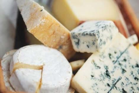Runda och små ostar