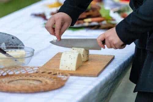 Våra bästa tips för att skära olika typer av ost