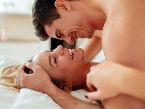 Fem tips för att njuta av ett uppfyllande och säkert sexliv