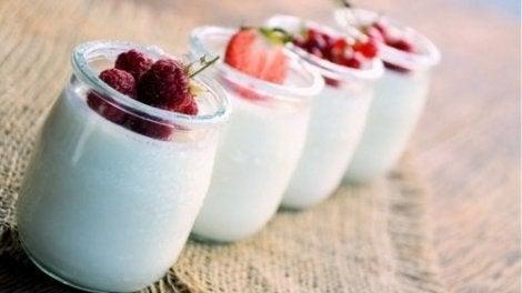 Motverka bukfett med livsmedel som yoghurt
