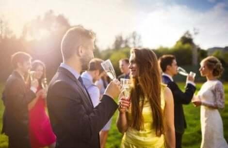 Underrätta gästerna när du ska organisera ett hastigt bröllop