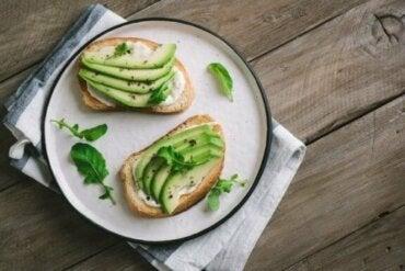 Gör en nyttig vegansk ost med oregano