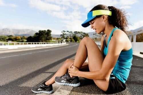 Lär dig att behandla muskelsträckningar