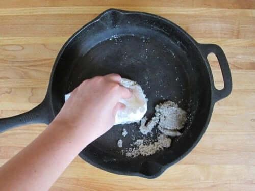 Potatisskal och salt