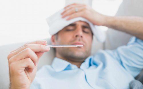 Feber är ett av symtomen på coronavirus