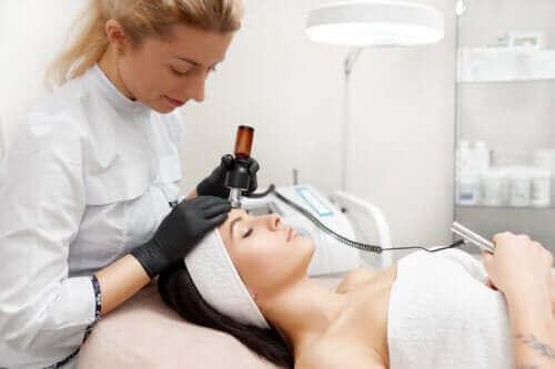 Fördelarna med att göra ansiktslyft med radiofrekvens