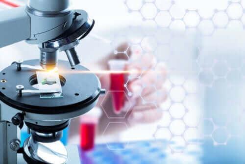 Vilka är fördelarna med flytande biopsi?