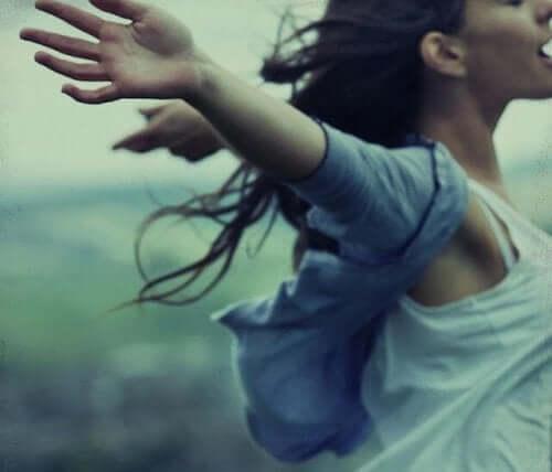 Kvinna som har förlåtit sig själv.
