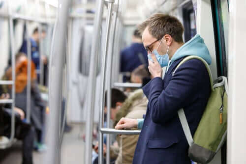 Skydda dig och andra med munskydd
