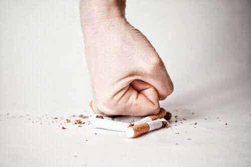 Att sluta röka cigaretter: hur man hanterar varje fas