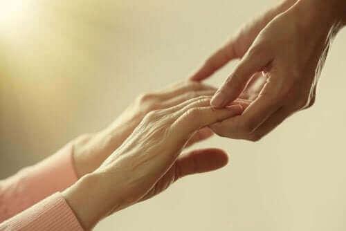 hålla händerna