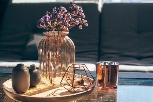 Lavendel i en vacker glasvas.