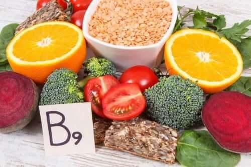 Livsmedel med vitamin B9.